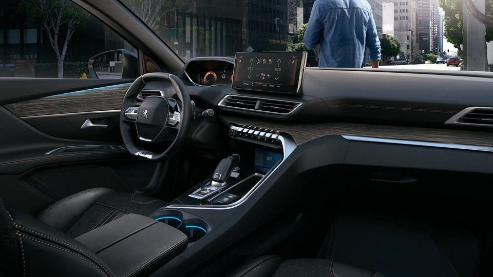 Nouveau SUV PEUGEOT 3008 - Option Black pack grand intérieur
