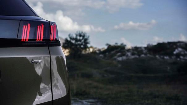 Nuevo SUV PEUGEOT 3008 - Nuevos faros traseros de 3 garras