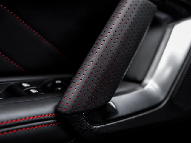 Placer sensorial - Materiales - Detalles puertas Peugeot 308 GTi